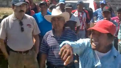 Noé y la Barricada de Álvaro Obregón corriendo a políticos de la COCEI